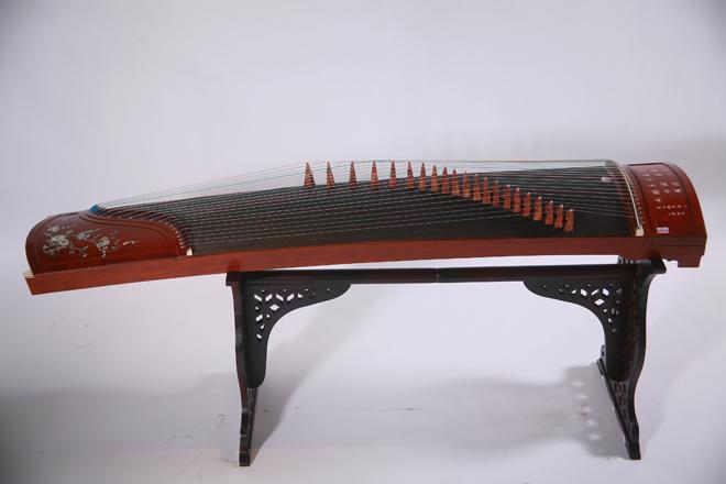 天音古筝-红木彩螺刻字筝