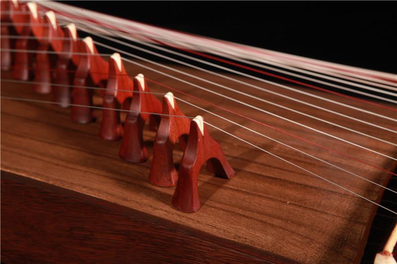 古筝的琴弦用多久换一次合适?